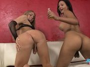 Hot Sunshyne plays with horny Ashley