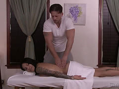 TS Foxxy got hard anal pounding on the massage table