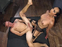 Jessica Fox sticks her hard tool in her slave's ass