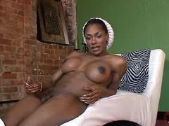 Chocolate tgirl Natalia Coxxx milks & strokes