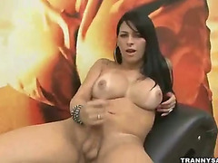Big boobs tranny wank off her love tool