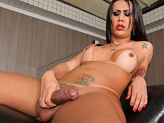 Solo playtime with the sexy tranny Bruna Prado