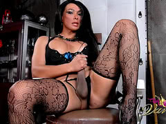 Vaniity stroking at the barber's