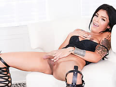 Gorgeous tattooed tranny babe Aubrey Starr amazing solo clip