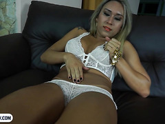 Blonde latina shemale with very good curves anal fucking