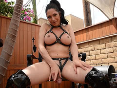Rock hard hottie Penny jerks in latex