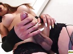 Slender tranny jerks off in sexy lingerie