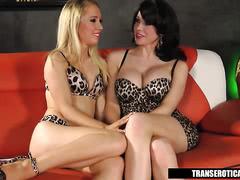 Sarina Valentina anal fucks horny girl