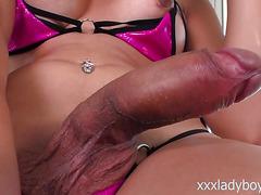 Femme Latina TS Vivian Rockwell blows a huge cock