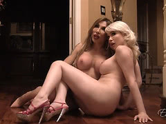 Eva and Sarina get wild behind scenes