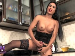 Exotic hottie Amy strokes and takes a piss