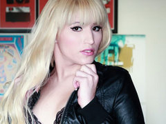 Beautiful blonde LA tgirl makes her debut on Frank's TGirl World