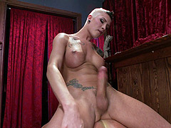 Hard cock Danni Daniels fucks Cristian