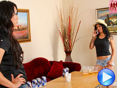 Jessica Fox fucks genetic girl Victoria Knox after beerpong