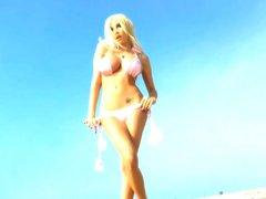 Super hot tgirl Kimber James posing outdoors