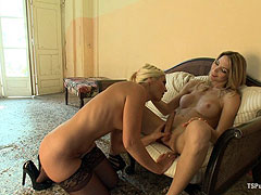Italian girl fucked by horny blonde shemale